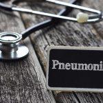 Παγκόσμια Ημέρα Πνευμονίας: Αίτια, Συμπτώματα και Παράγοντες Κινδύνου