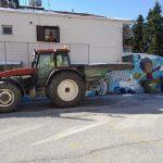 Στις αυλές των σχολικών συγκροτημάτων επιχειρούν τα μηχανήματα του Δήμου Κατερίνης